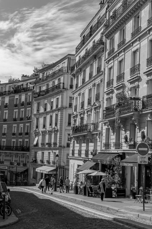 Klassisch Pariser Häuserzeilen.