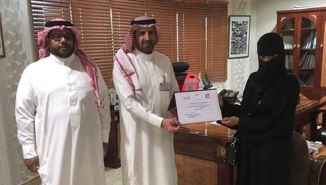 4609 Saudi Nurse saved a man's life in a shopping mall in Abha 02
