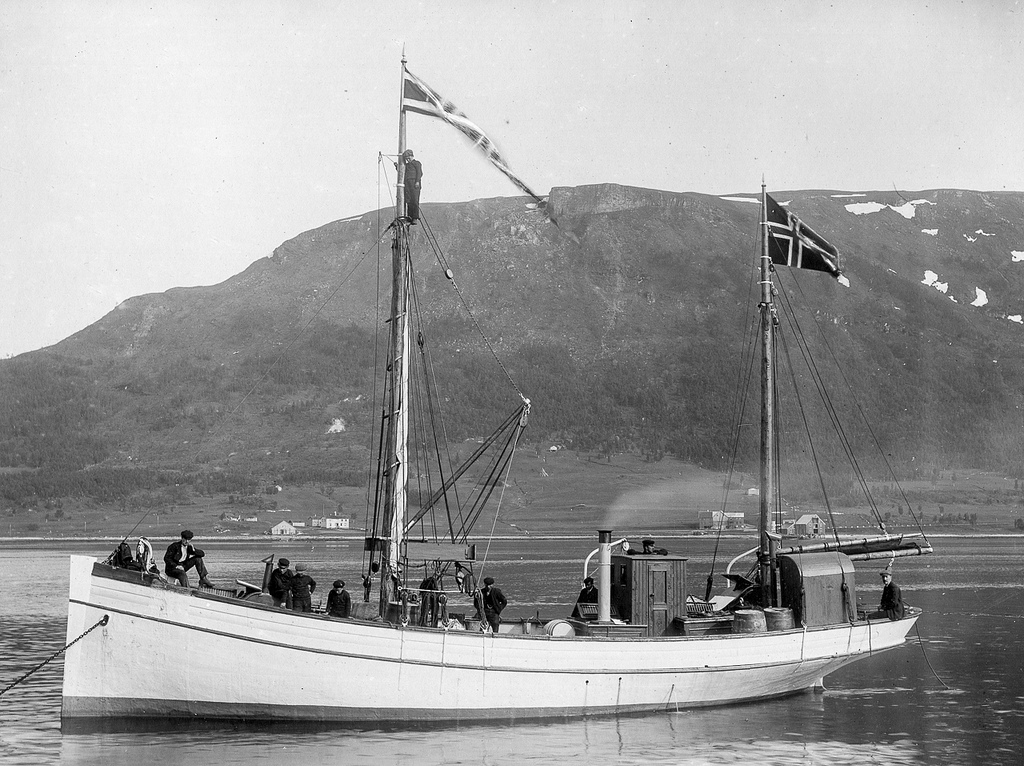 A Norwegian coastal skute