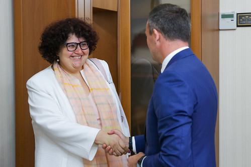 08.08.2018 Președintele Parlamentului Andrian Candu cu Anna Akhalkatsi, Director de țară al Băncii Mondiale în Moldova și Volodymyr Tulin, Reprezentant Rezident al Fondului Monetar Internaţional (FMI).