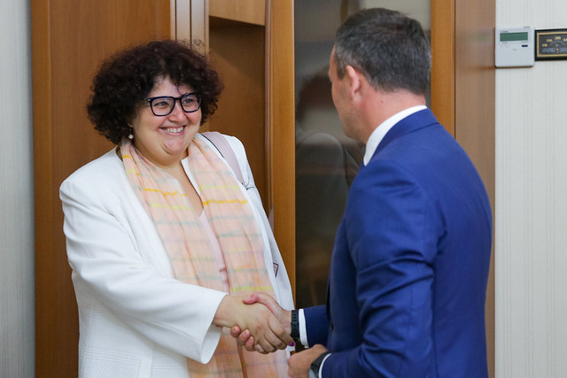 Președintele Parlamentului Andrian Candu cu Anna Akhalkatsi, Director de țară al Băncii Mondiale în Moldova și  Volodymyr Tulin, Reprezentant Rezident al Fondului Monetar Internaţional (FMI).