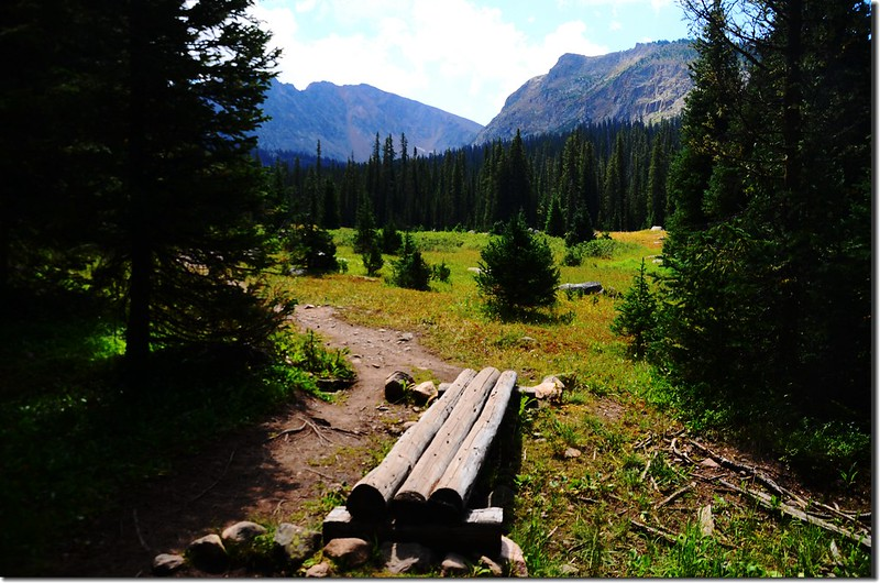 Caribou Pass & Columbine Lake Trail 4