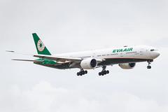 EVA AIR B777-300ER B-16733 002