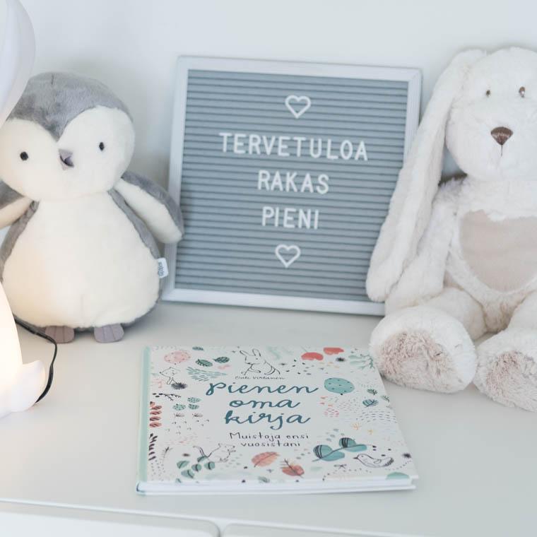 Pienen oma kirja vauvakirja