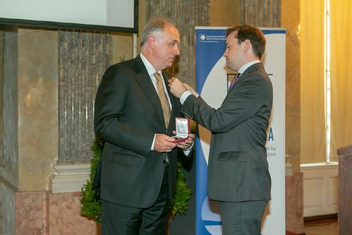18.06 Pavel Kabat recieves Austrian Medal of Honor.