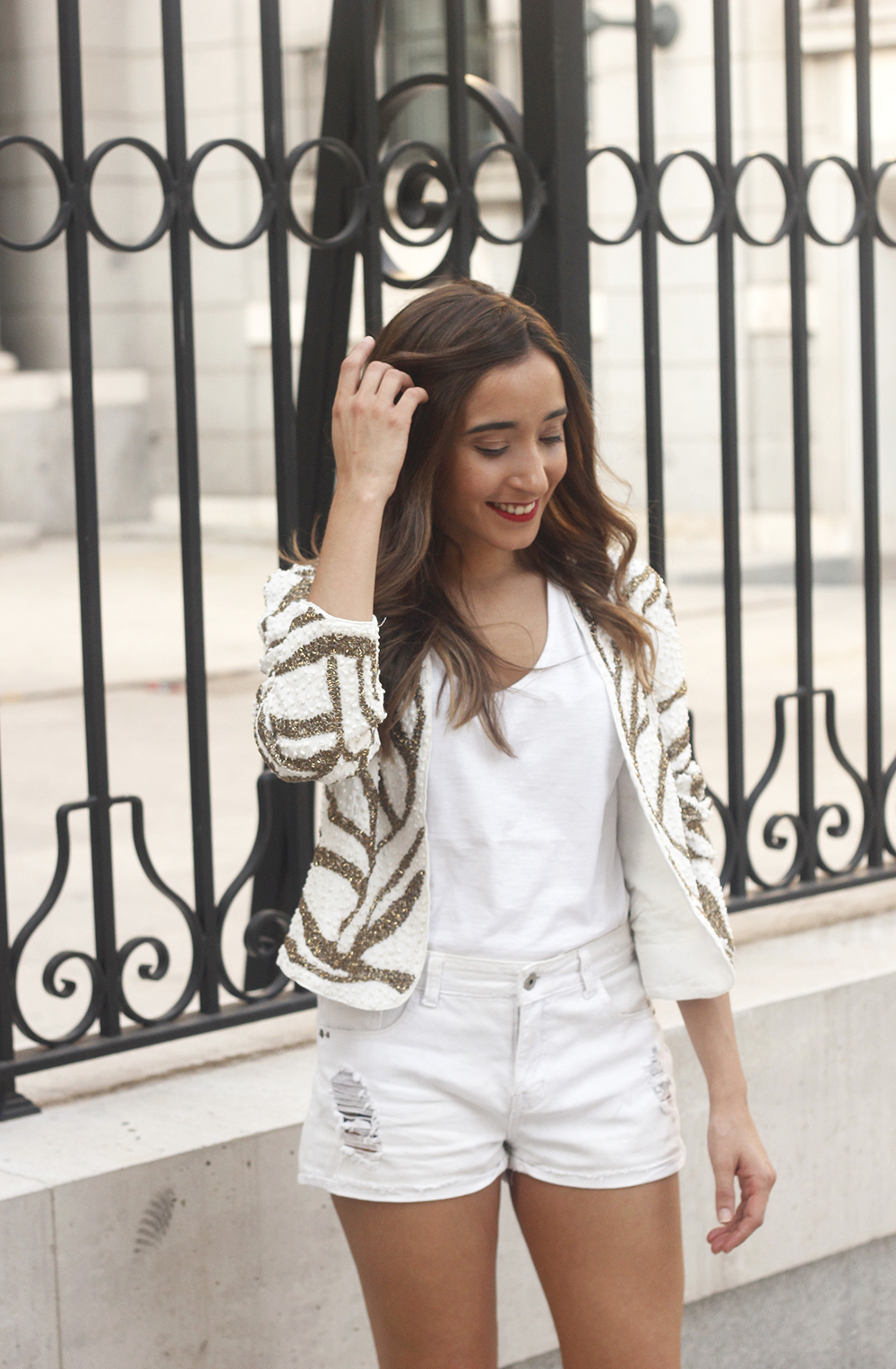 white sequin jacket white denim shorts sandals summer outfit street style 201813