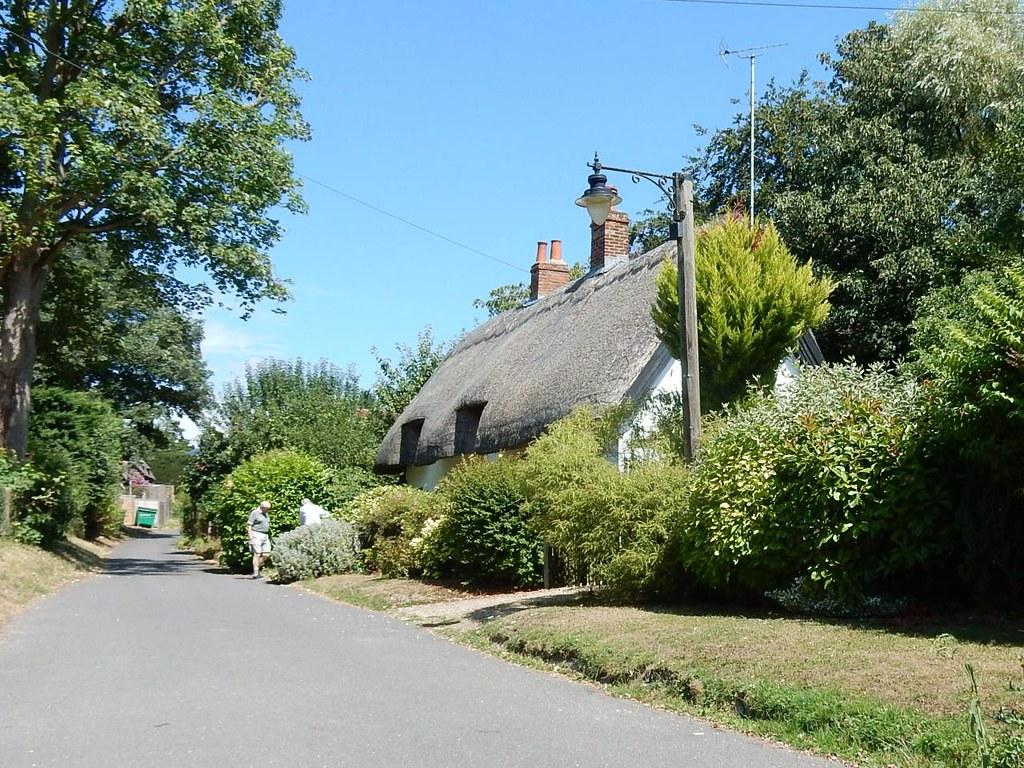 Thatched House Weedon Aylesbury Vale Parkway to Aylesbury