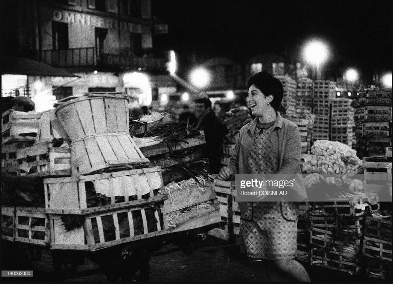 1968. Веселая зеленщица ночью в Ле-Аль