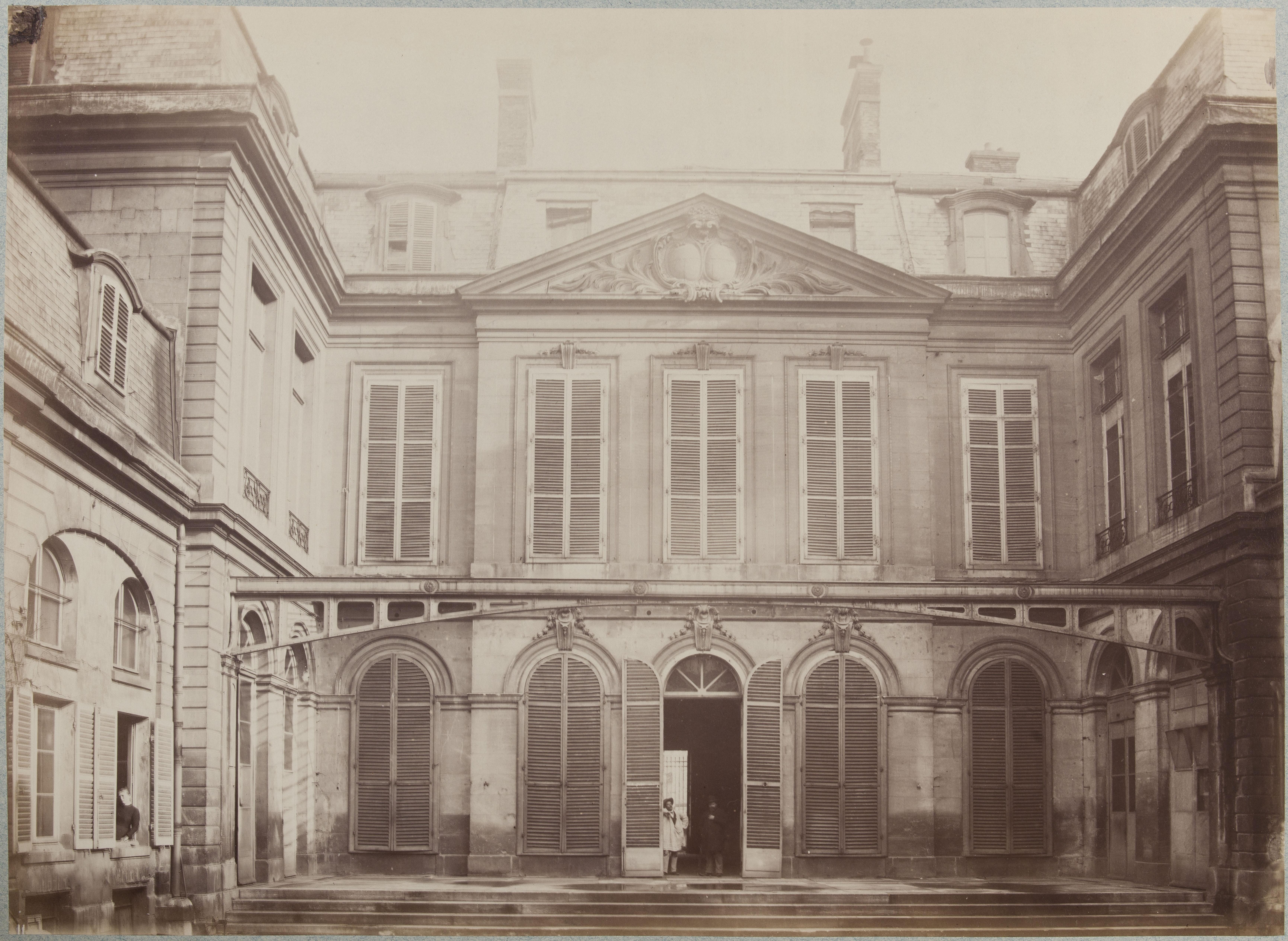 Hotel de la Guiche. Внутренний двор