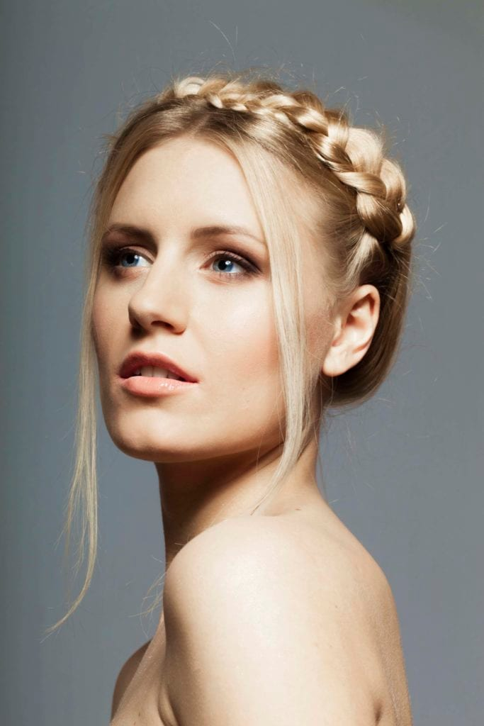 Latest Wedding Hairstyles for Thin Hair -Get an attractive view! 4