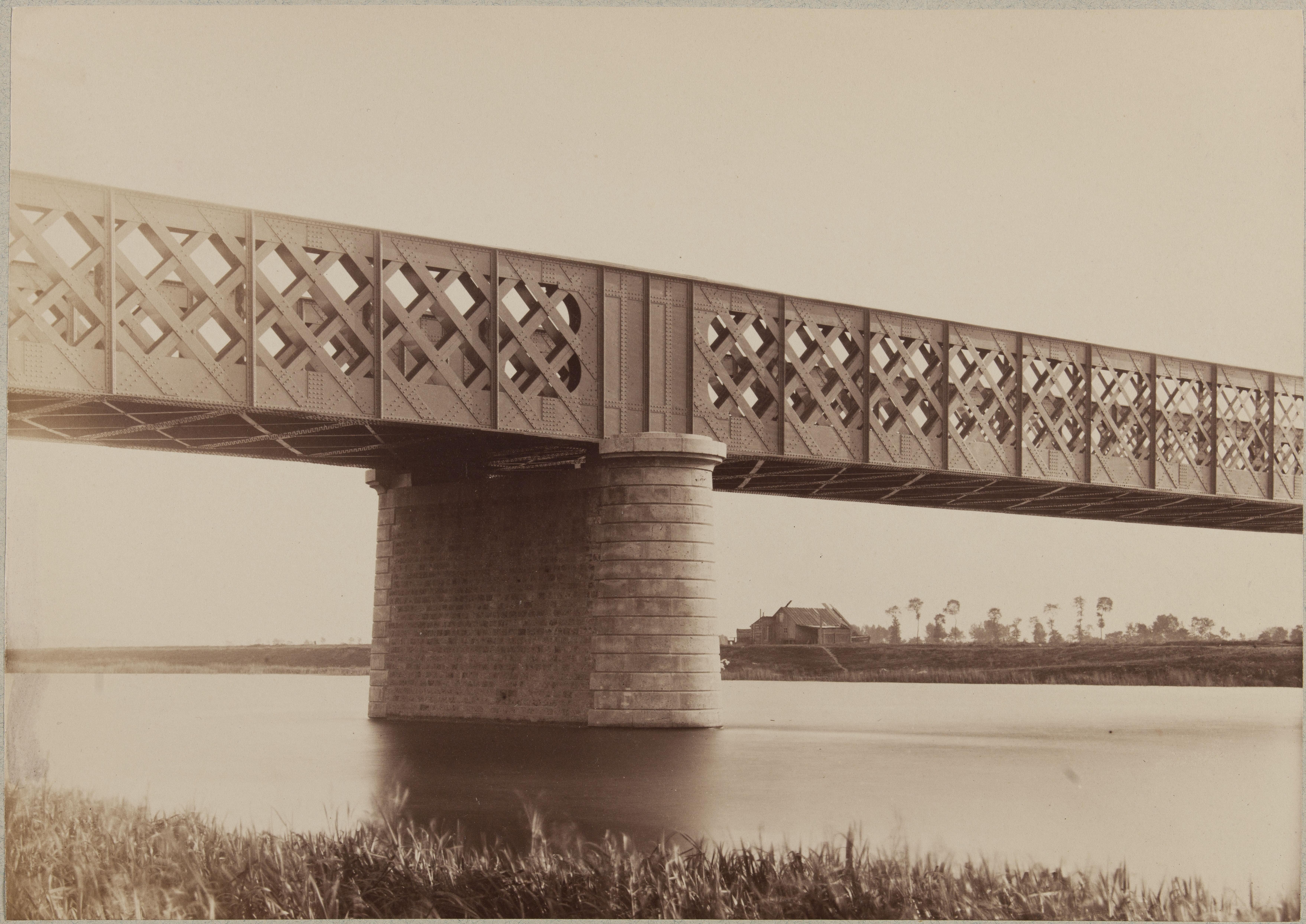Мост в Шуази-ле-Руе. Бык моста