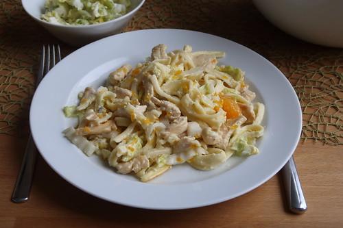 Geflügelspätzleauflauf mit Chinakohl und Mandarinchen (meine Portion)