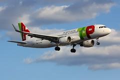 A320 CS-TMW London Heathrow 21.06.18