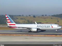 American Airlines - N388AA