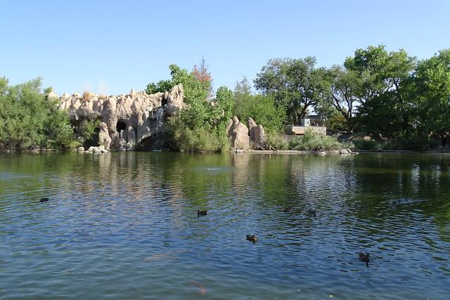 81318-22, Lake & Waterfall