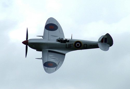 Royal Air Force Battle of Britain Memorial Flight Supermarine Spitfire LF Mk IXc - Rougham Airshow 2008, Sunday 17th August 2008 | by CDay86