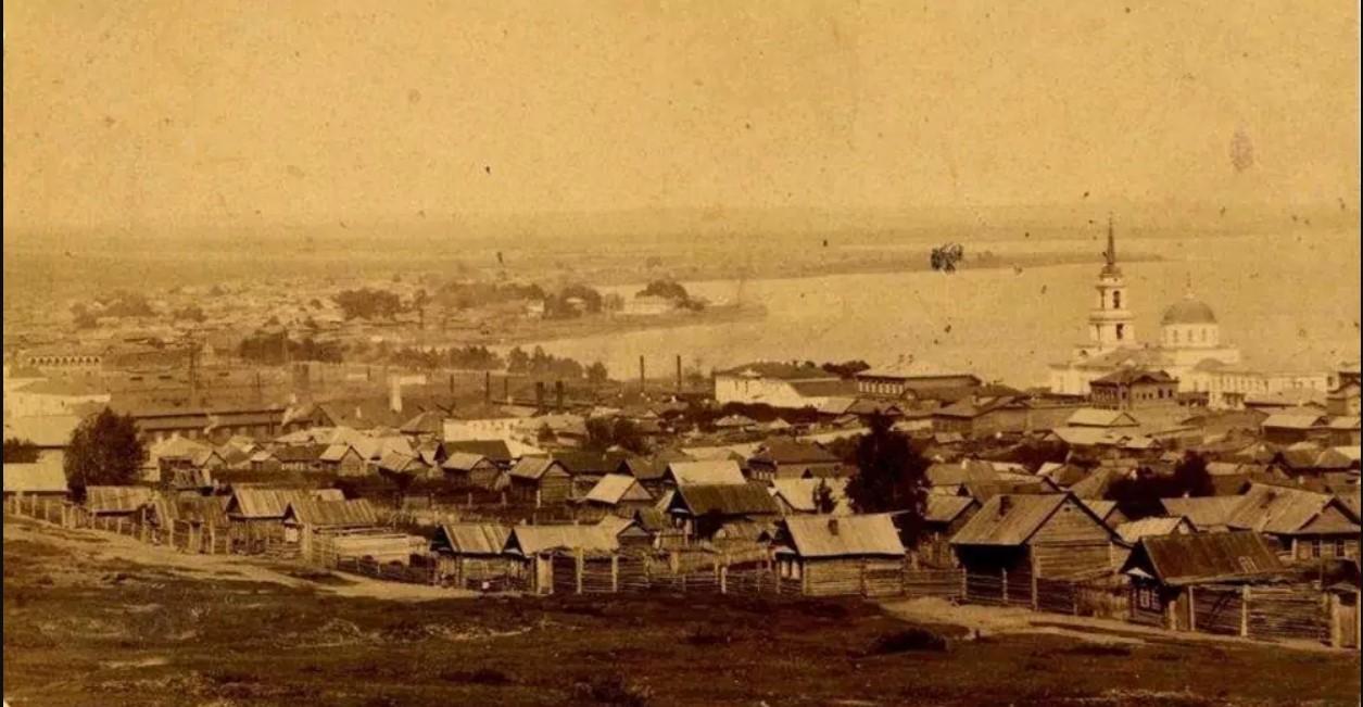 Вид на поселение Воткинского завода от Спасо-Преображенской церкви