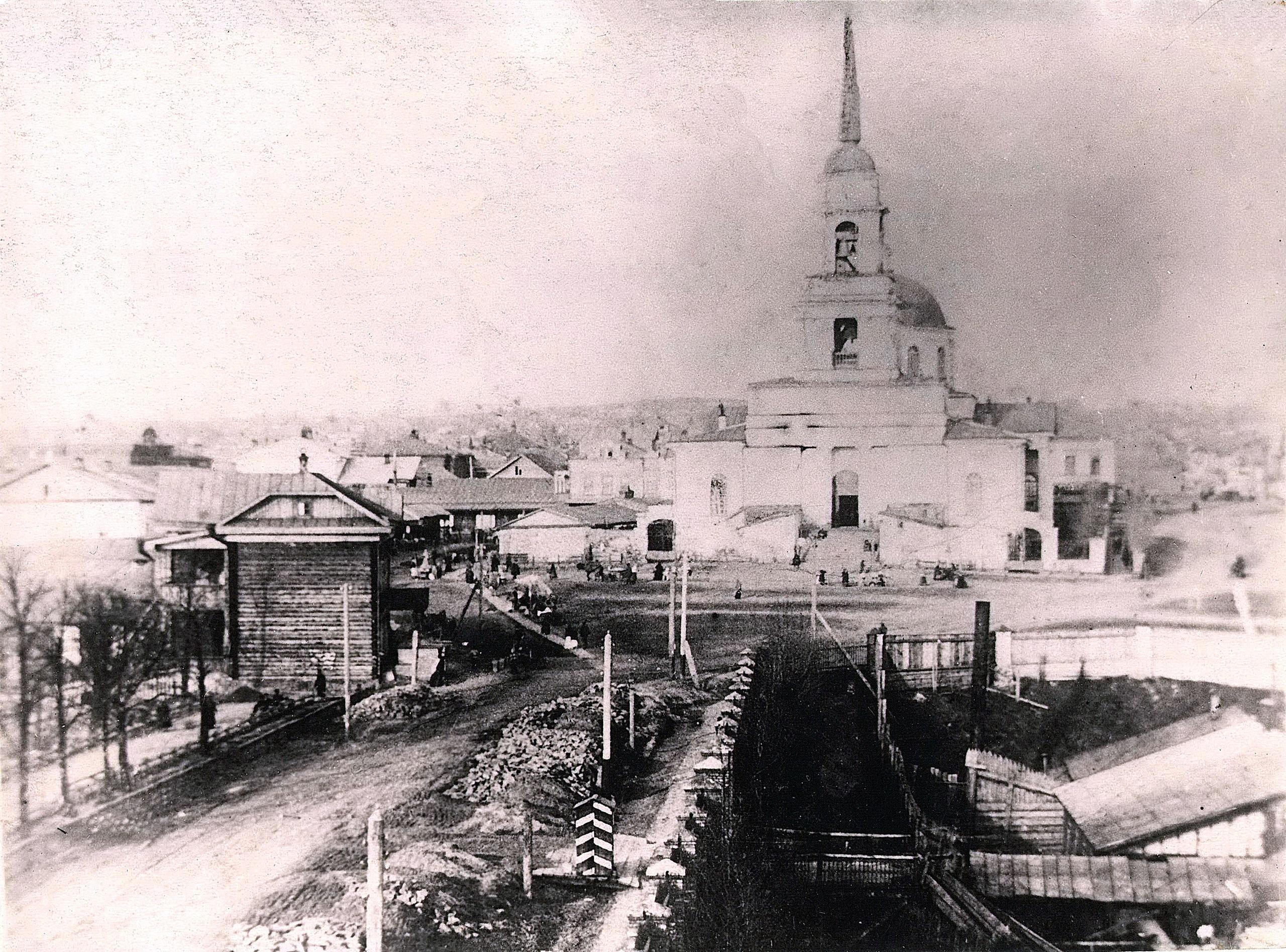 Вид на плотину, завод и Благовещенский собор