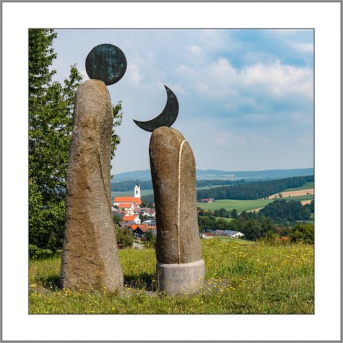 Durch Sonne und Mond (By sun and moon)