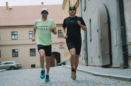 NA TRÉNINKU S...: Legendou českého triatlonu Karlem Zadákem