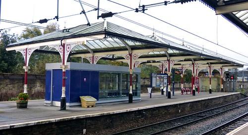 Skipton Railway Station Island Platform on 'Dennis Basfords's railsroadsrunways.blogspot.co.uk'