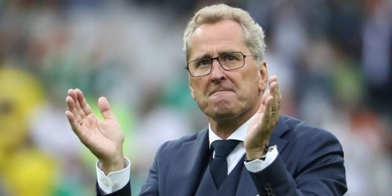 http://news.diamond88bet.info/berita-bola/timnas-islandia-pilih-erik-hamren-sebagai-manajer-baru/