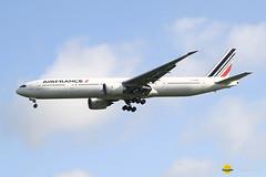 Air France F-GZNG