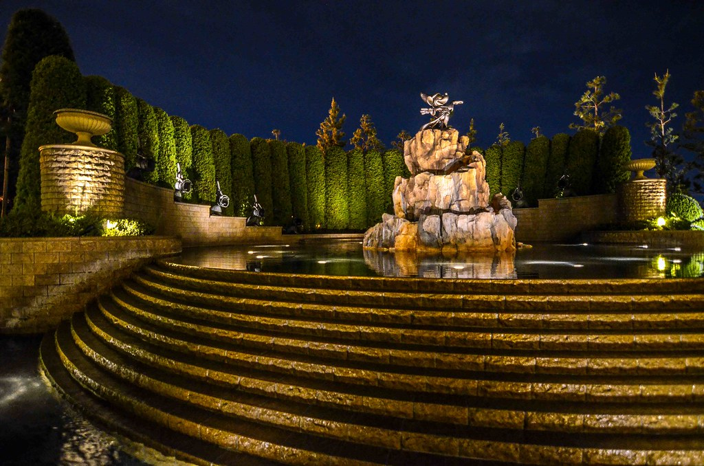 Mickey Fantasia fountain Tokyo Disneyland Hotel TDR