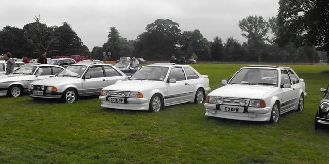 Ford Escort Hot-Hatches @ Luton 2018 (1), Fujifilm FinePix S1000fd