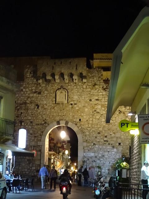 Taormina at night (2)