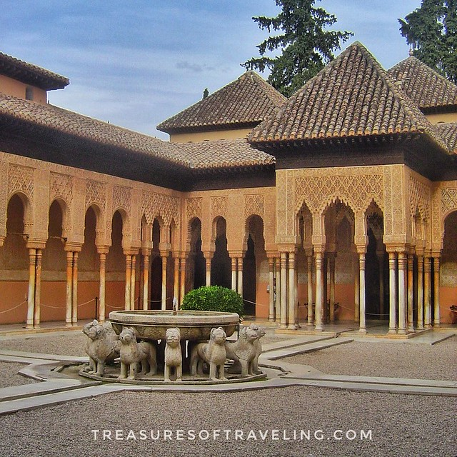 The #PatioOfTheLions (#PatioDeLosLeones) is probably the most famous place of the Alhambra. It has that name because of the twelve lions which are part of the fountain in the middle of the patio. It's a palace and fortress complex located in Granada, Spai