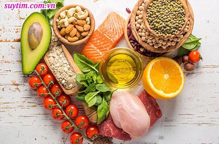 Bệnh nhân suy tim nên ăn uống các thực phẩm tươi, sạch và hạn chế tối đa muối