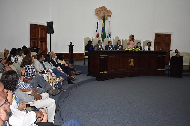 Nova superintendente da Maternidade Climério de Oliveira é empossada