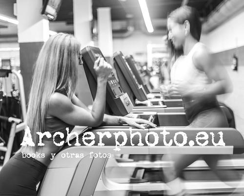 ArcherPhoto, professional photographer posted a photo:Basically, run. Básicamente, corre. María Herranz and Yohana Bortolussi #fitness #fitnessmodel #entrenadorapersonal #gymlife #girlfitness #powergirl #doctorwhoquotes #doctorwhofan #theeleventhhour #ifbb #fotografovalencia #fitnessvalencia IMG_9692 Sigue también mi otra cuenta: @archerphoto2. Follow also my other account: @archerphoto2