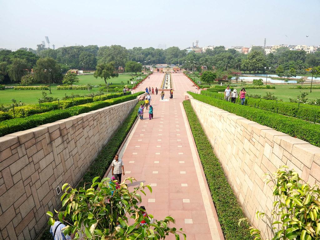 Entrada al memorial a Gandhi