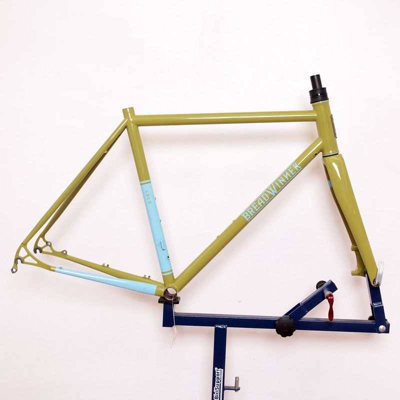 Bread Winner Frame Set / Lolo