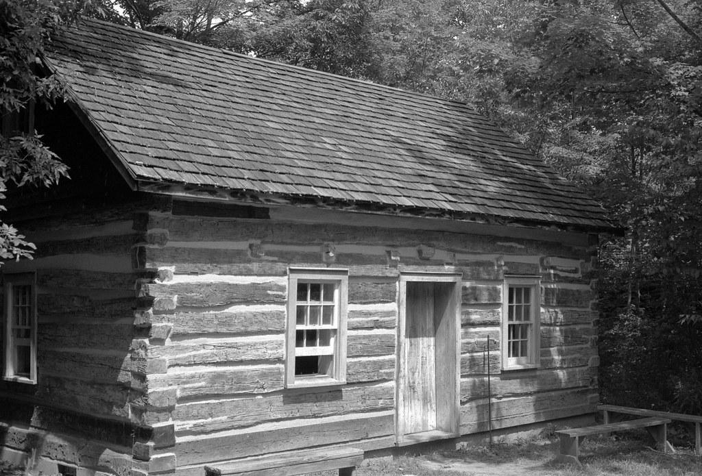 Queens Rangers Cabin