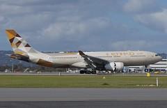A6-EYH Etihad Airways Airbus A330-243