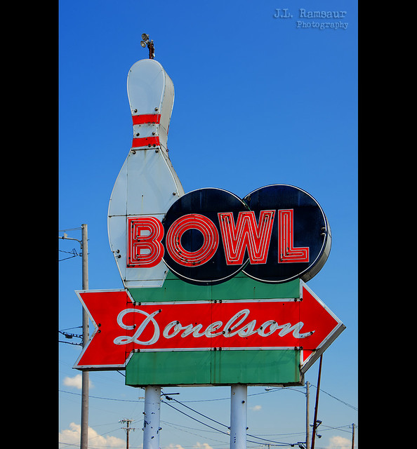 Bowl Donelson sign - Donelson, Tennessee