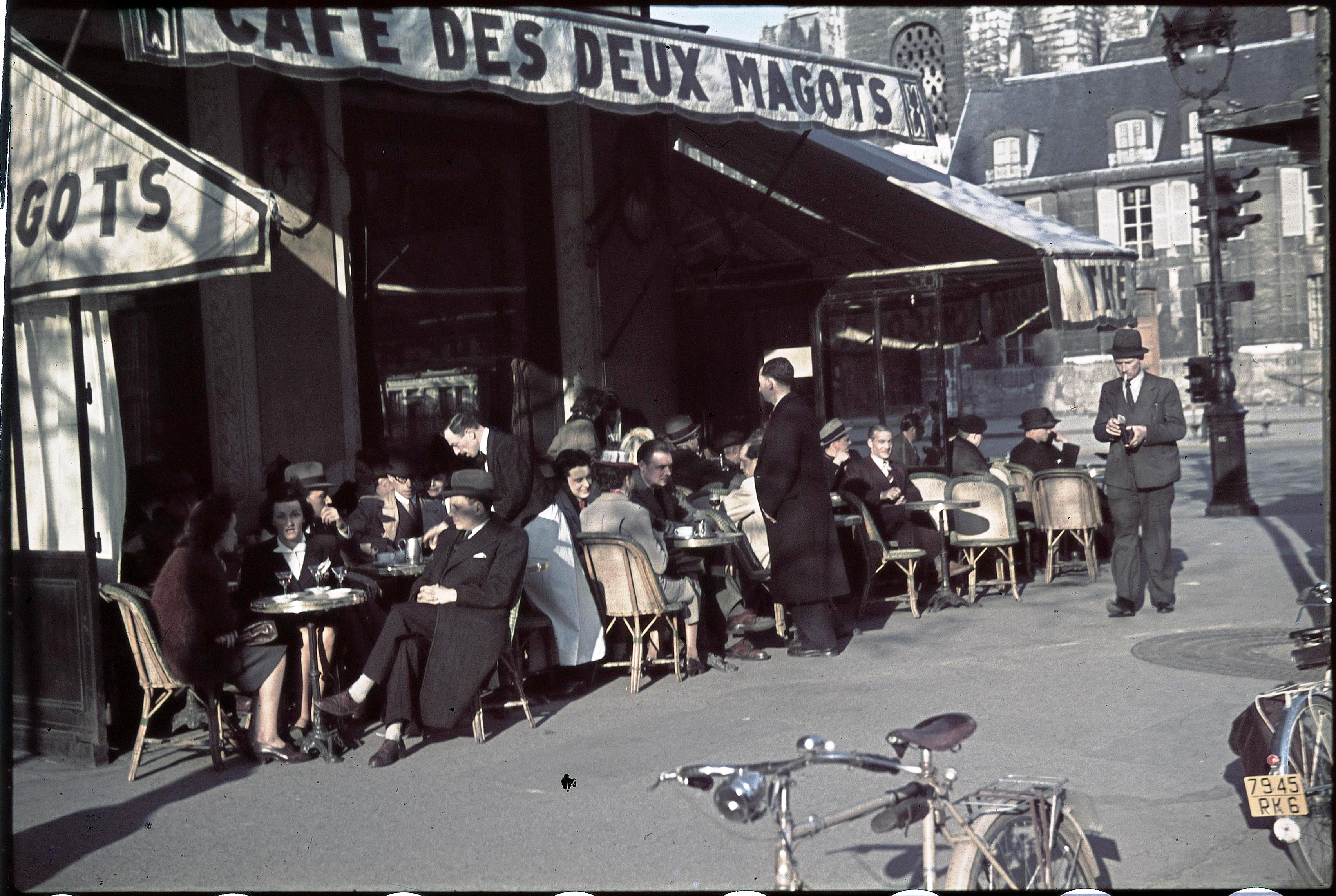 Терраса кафе «Дё маго», Сен-Жермен-де-Пре