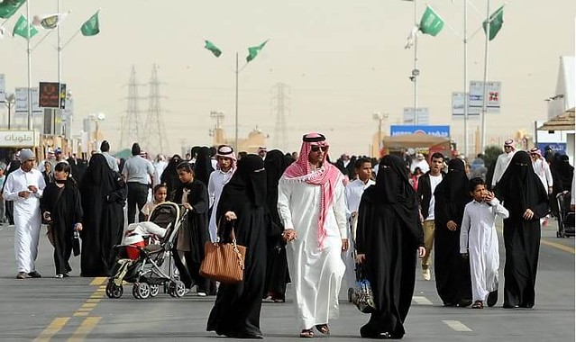 1501 The Increasing number of Expats – A worry to Saudi Society 02
