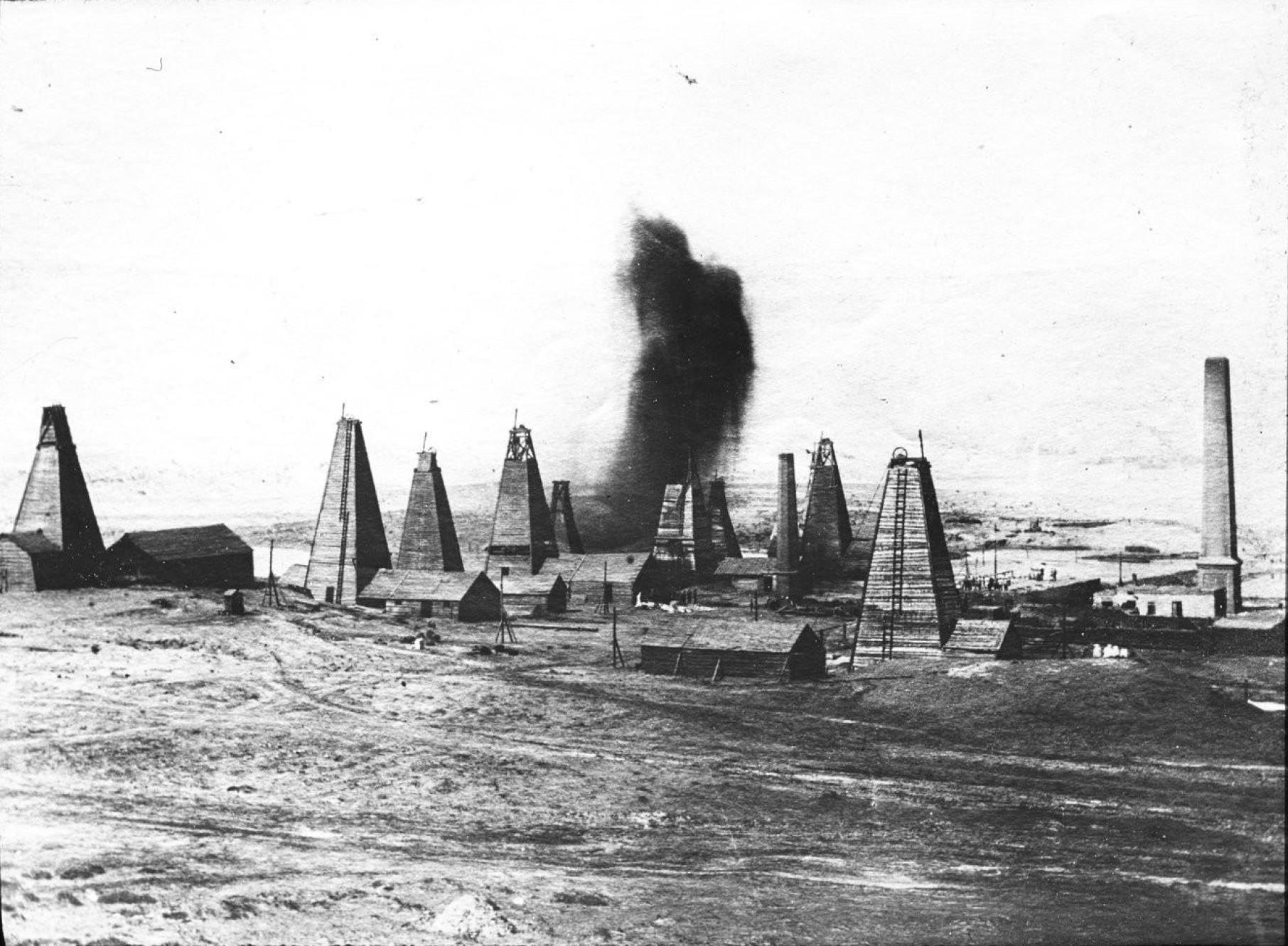 Баку. Нефтяные поля в окрестностях города