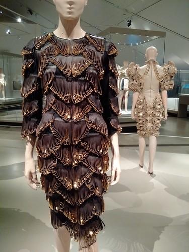 #irisvanherpen #transformingfashion #royalontariomuseum #designimpossible #RoyalOntarioMuseum