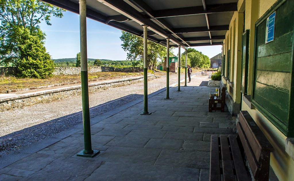 a4bc6b93a9 ... Ballyglunin Railway Station