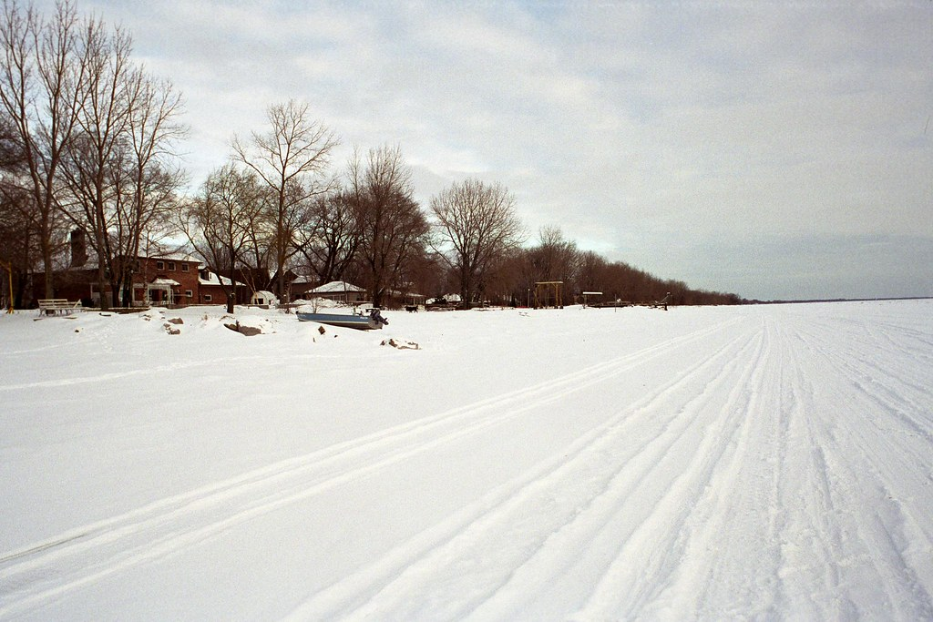 Snowmobile tracks on Lake Erie 2 | Snowmobile tracks race ac… | Flickr