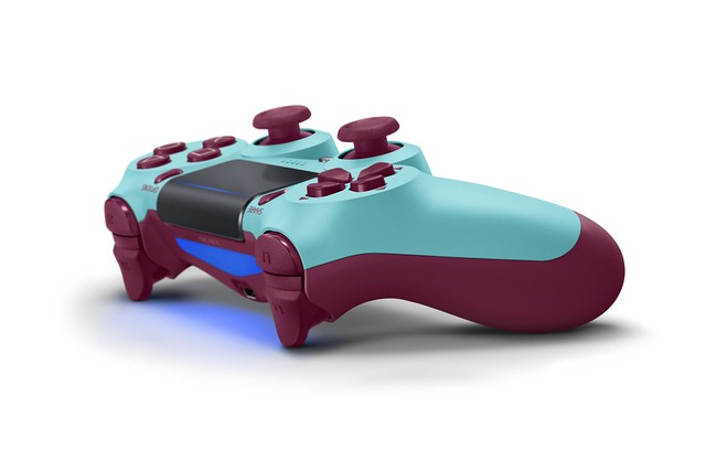 DualShock 4 (Berry Blue)