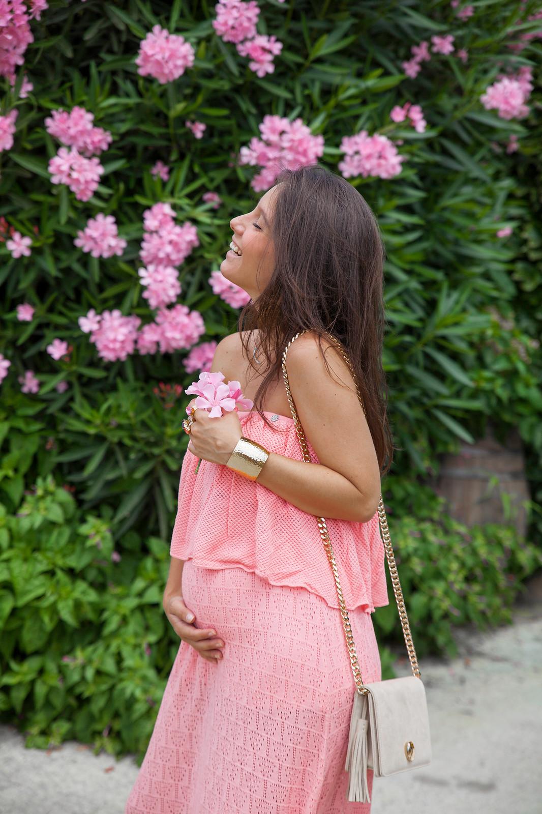 09_vestido_largo_coral_theguestgirl_rüga_fashion_brand_boho_style_look_embarazada_vestido_largo_rosa