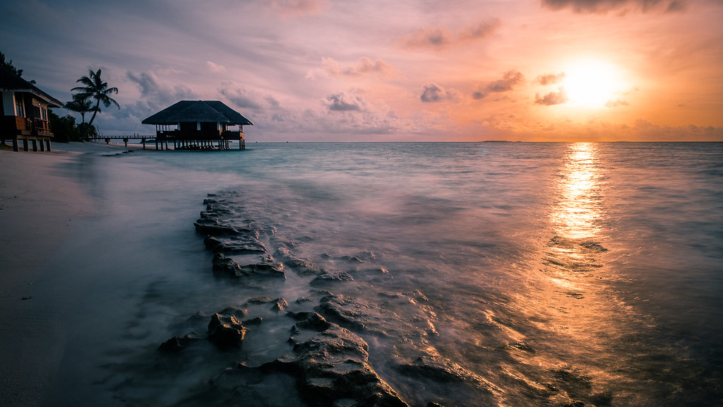 Sunset in Dhigufaru, Maldives picture
