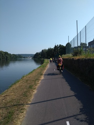 A cycle touring family