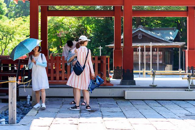 Chinese girls at Tsurugaoka, Nikon D750, AF-S Micro Nikkor 60mm f/2.8G ED
